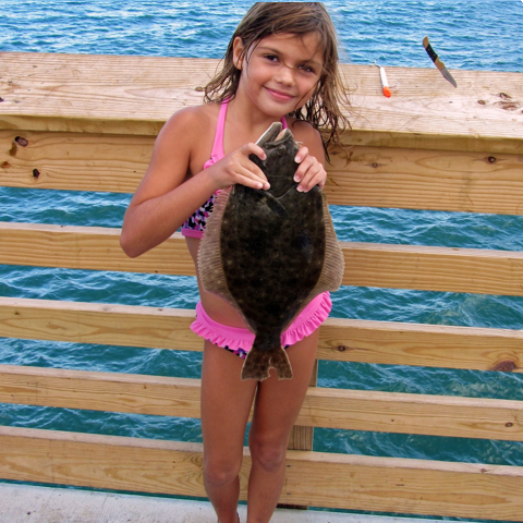 /assets/2240/makayla_smith_with_flounder.jpg