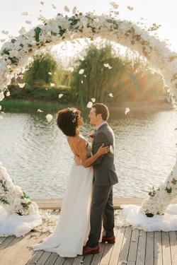 /assets/2511/jtp041021-jason-megan-wedding-sneak-peeks-62_websize.jpg