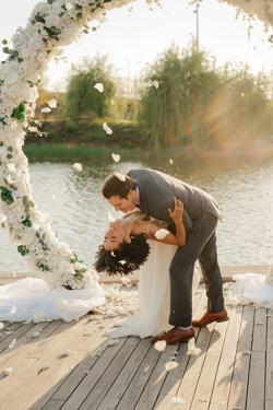 /assets/2511/jtp041021-jason-megan-wedding-sneak-peeks-63_websize.jpg