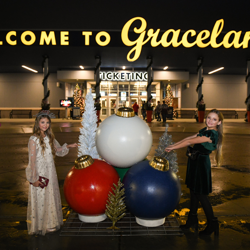 Fans lined up to celebrate the holidays at Graceland!