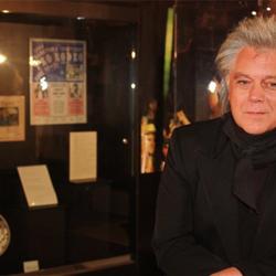 Singer-songwriter Marty Stuart