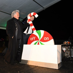 Country stars Marty Stuart and Scotty McCreery flipped the switch on Graceland
