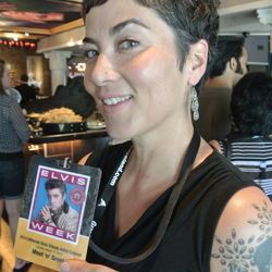 This Elvis fan is ready to meet her favorite ETA during the Ultimate ETA Meet