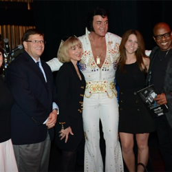 David Lee spends time with the Ultimate ETA Contest judges after the show.