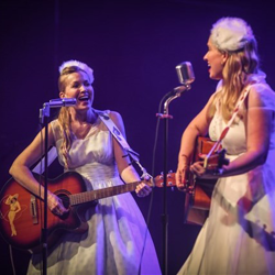 Texas duo Gladys & Maybelle performed Elvis covers at a Musical Salute to Elvis.