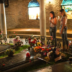 Fans paid tribute to Elvis at the Candlelight Vigil.