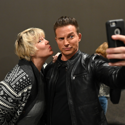Steve Burton, king of selfies.