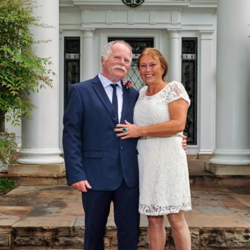 Bo and Maria Peeters of the Netherlands celebrated their 40th anniversary with a vow renewal at Graceland on April 13, 2015.