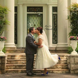 Mandy Childers and Jeremy Marshburn from Johnson City, Tennessee, were married at Graceland