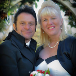 ony and Tania Ziino from Truganiana, Victoria, Australia renewed their vows at the Chapel in honor of their 10th anniversary. They were married on January 8, 1995. They renewed their vows at Graceland on January 7 since it was already the 8th in Australia.