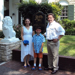 Paul and Christine Torrible renewed their vows on Aug. 3, 2015 in honor of their 10th anniversary. The couple and their son James traveled to Graceland from their home in Round Hill, Virginia.