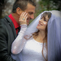 Kristy & Chris Lanclos, from Lumberton, Texas, were married at Graceland
