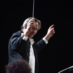 Conductor Robin Smith has worked with the likes of Aretha Franklin, Andrea Bocelli and Luciano Pavarotti.