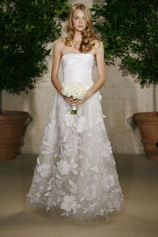 Oscar de la renta wedding gowns dresses nashville b for Wedding dress rental nashville tn