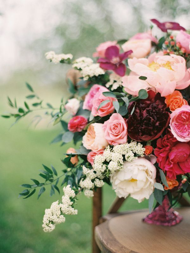 Whether You Are Interested In A Glamorous Elegant Wedding Or An Outdoorsy Rustic Wedding The Romantic Marsala Is For
