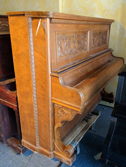antique-upright-piano
