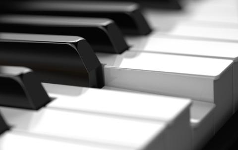 Plays like a piano