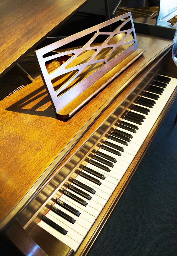 amro music  kimball 4 u0026 39 4 u0026quot  walnut satin  u0026quot la petite u0026quot  grand piano
