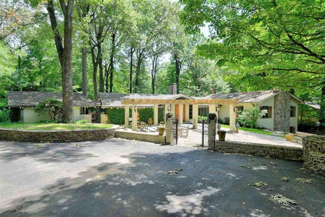 6049 Sweetbrier Cove