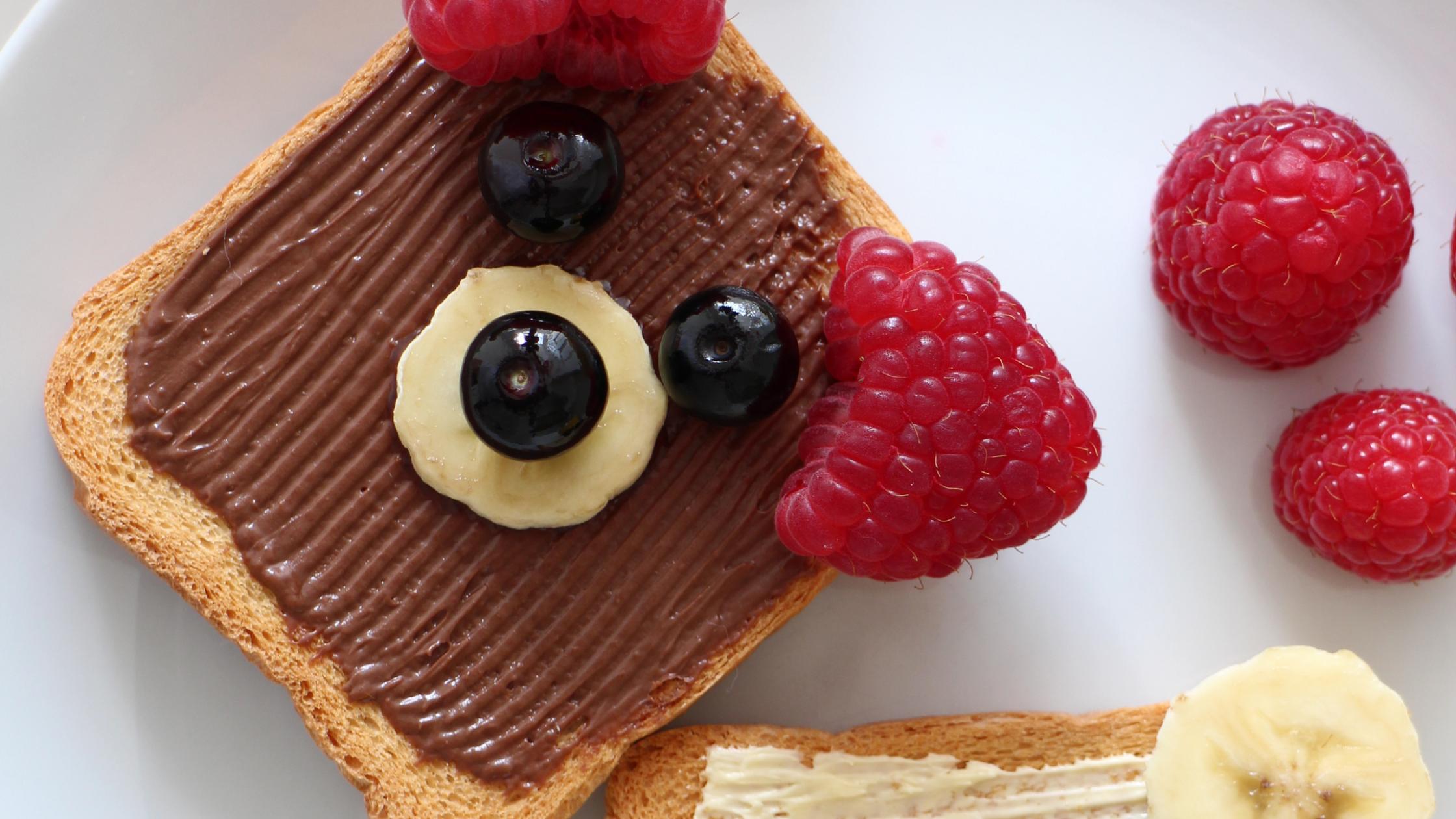 toast that looks like a teddy bear