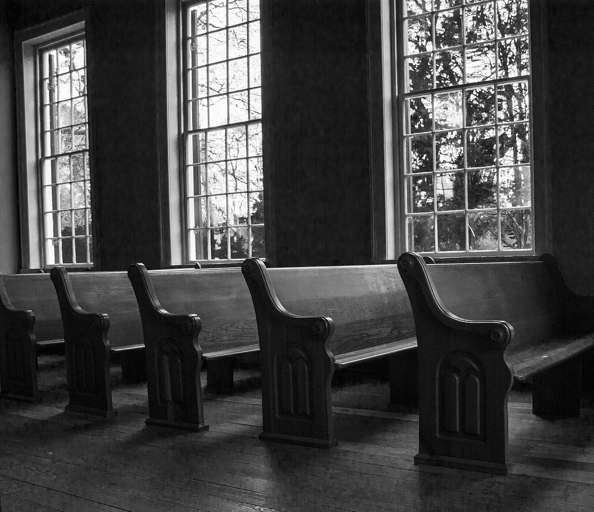 Church_pews,_Old_Brick_Church,_Mooresville,_AL,_image_by_Marjorie_Kaufman_01