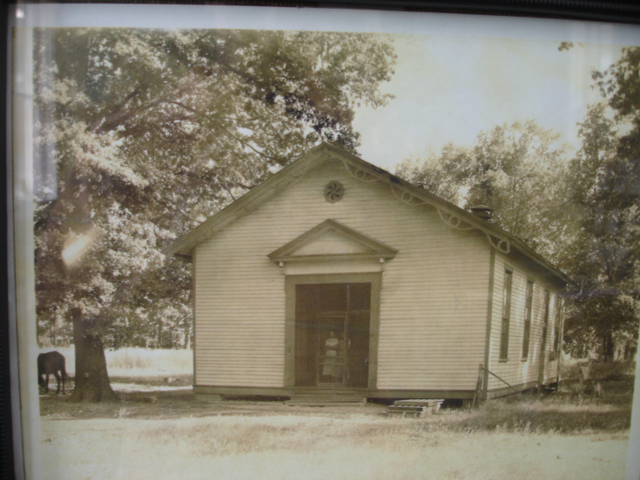 photo of schoolhouse at Porter-Leath