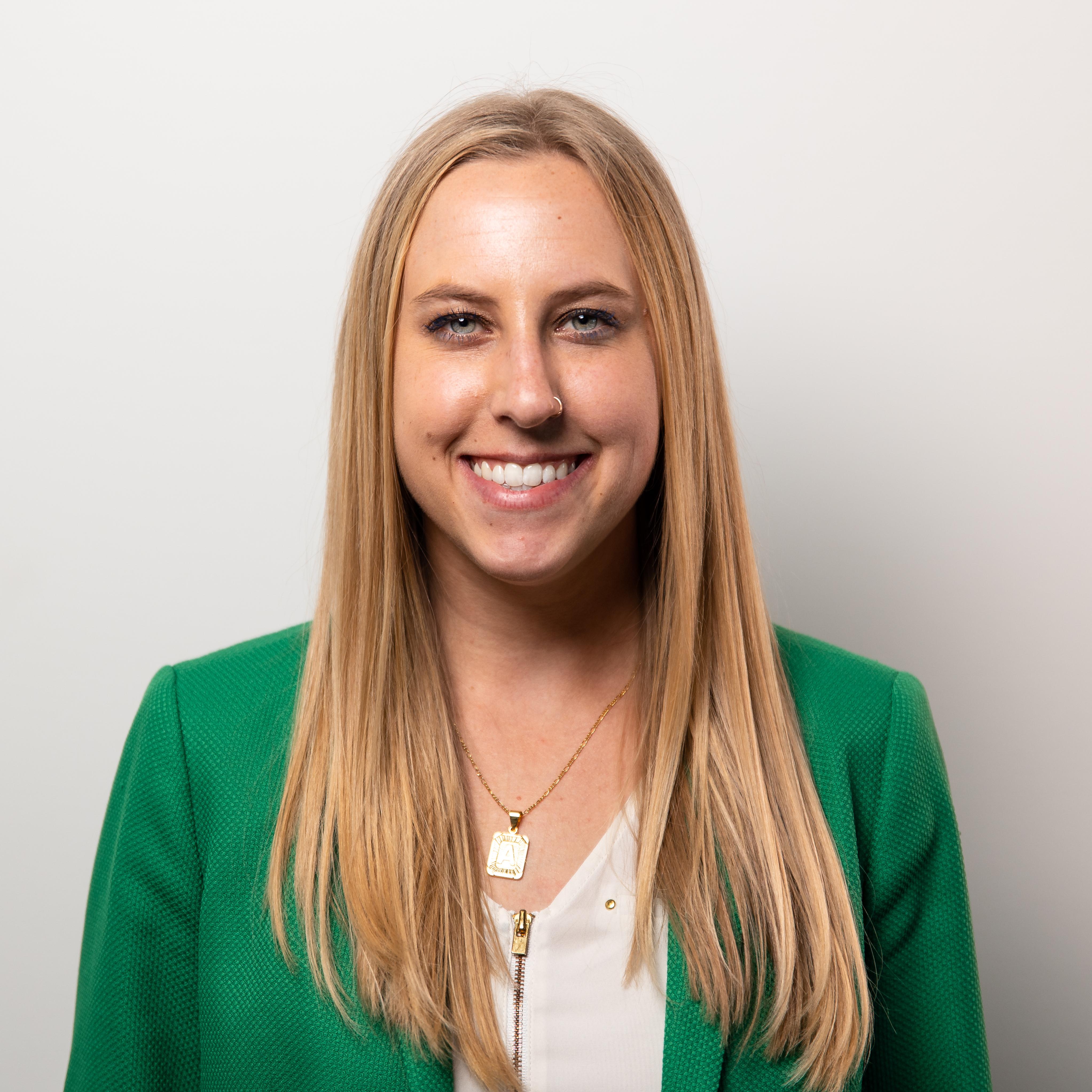 Amanda Gottschalk Headshot