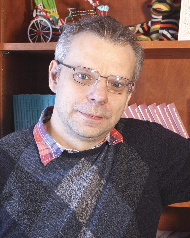 Dr. Radek Szulga