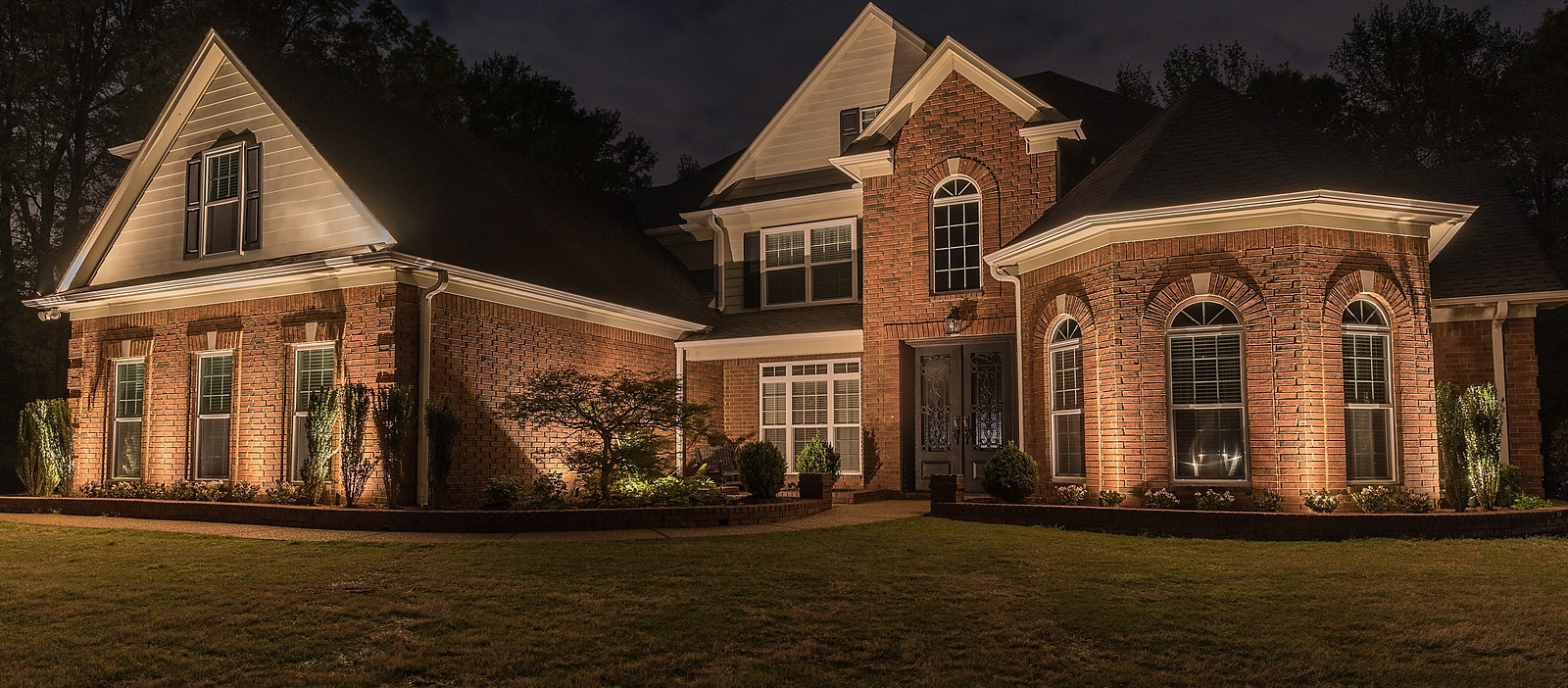 Architectural Lighting on House in Memphis, TN