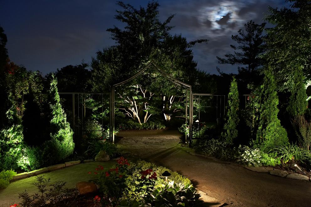 Custom Landscape Lighting in Memphis