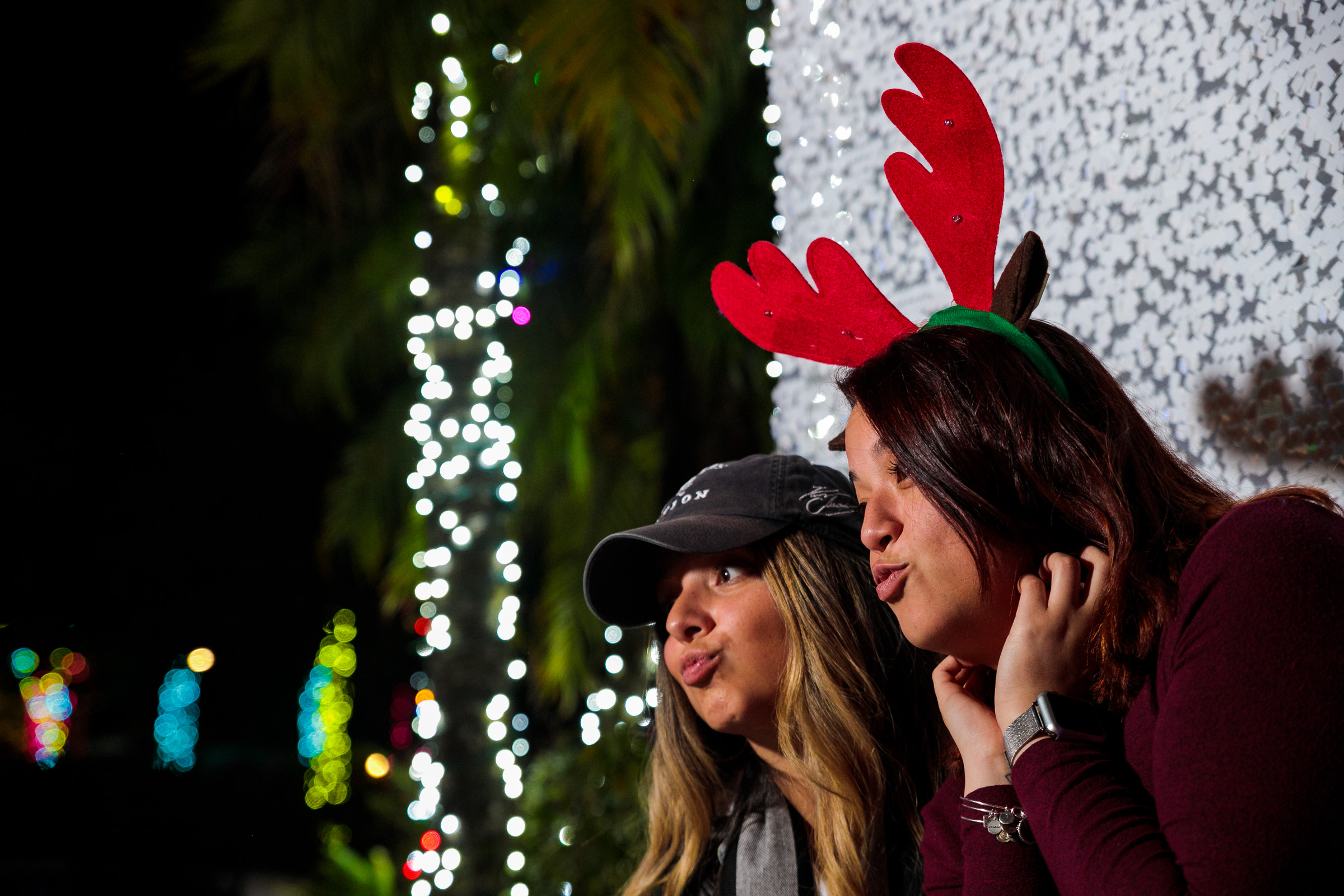 Featured Event Image for Holiday Cheers - Sip & Stroll