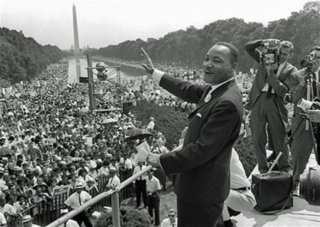 MLK Jr. addresses a crowd