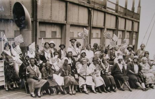African American Gold Star Mothers on their Pilgrimage