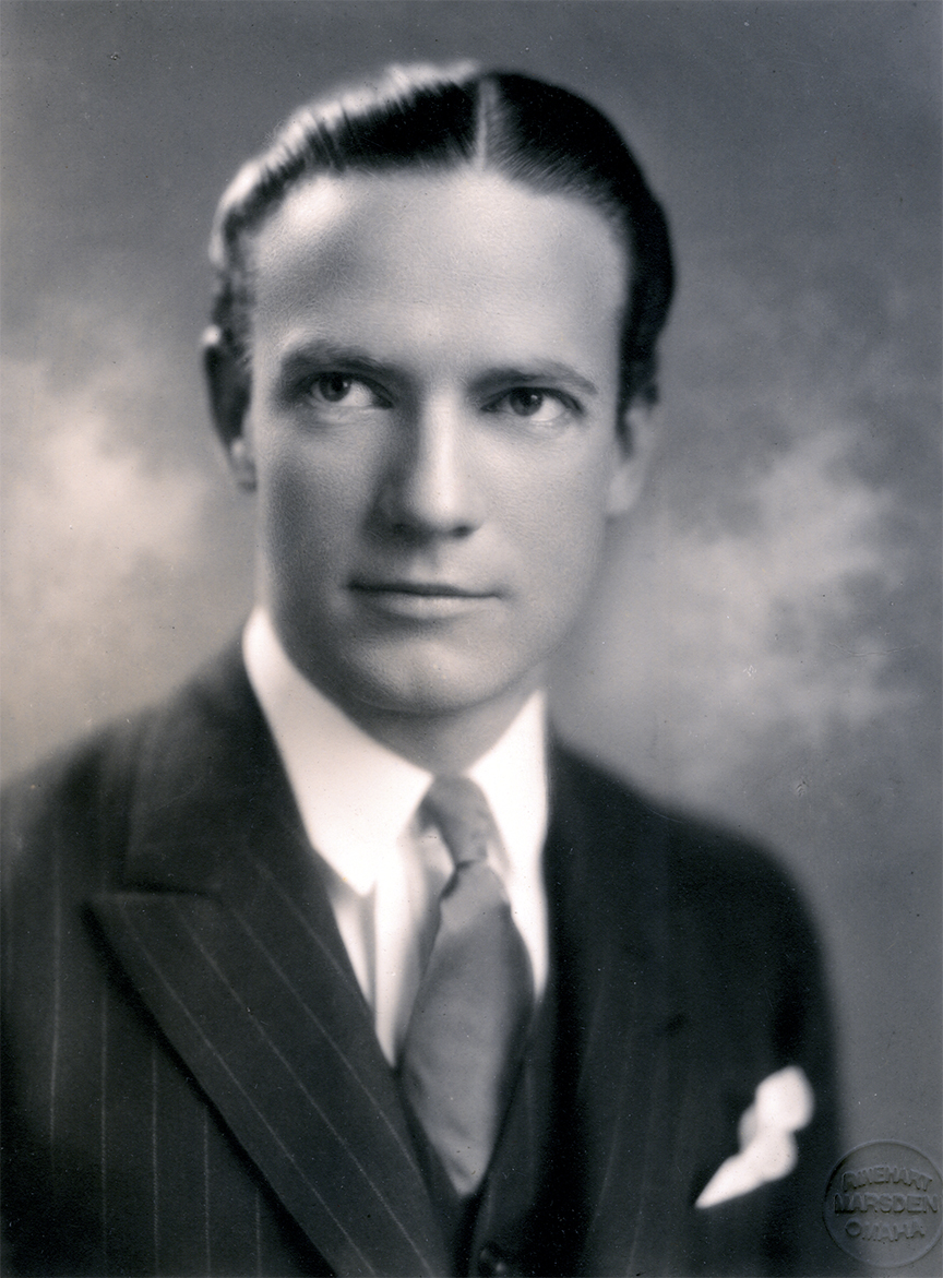 Promotional photograph of Richard Halliburton from the studio of famed portraitist, Frank Rinehart. Courtesy of The Lilly Library, Indiana University.