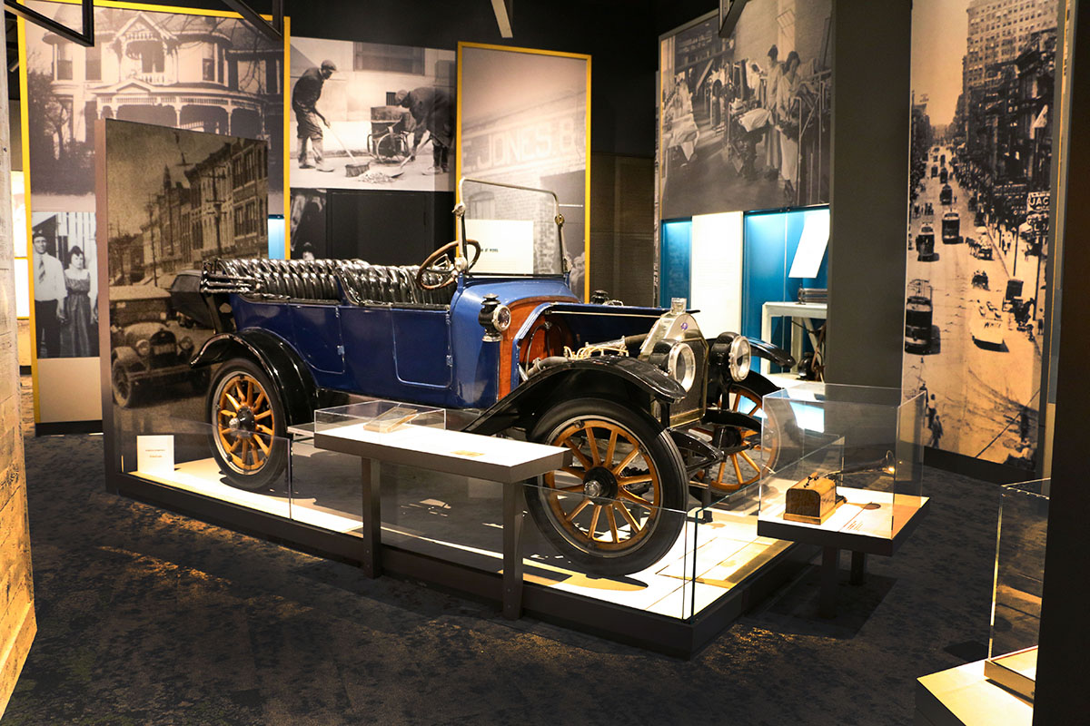 Marathon Motor car on display at the Tennessee State Museum.