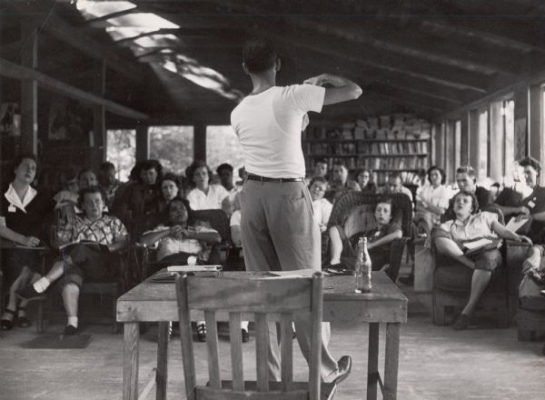 A teacher giving a lecture at Highlander Folk School, Wisconsin Historical Society.