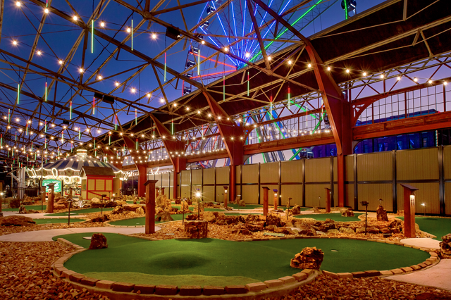 Mini Golf image