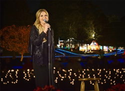 Trisha Yearwood performed a few of her favorite Christmas songs at the Lighting Ceremony.