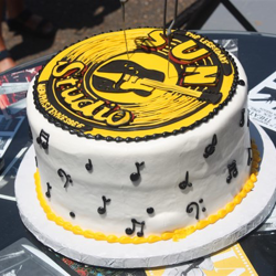 Special cake cutting ceremony took place at Sun Studio in celebration of 60 Years of Rock