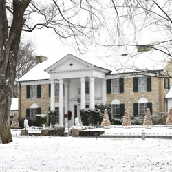 It snowed at Graceland a few days before Elvis