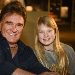 TG Sheppard signed autographs for fans at Elvis Presley