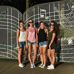 The Gates of Graceland - always a popular place for a photo.
