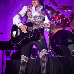 Bill Cherry wowed the audience at the Elvis tribute artist show.