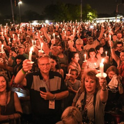 Thousands of fans honor Elvis at the Candlelight Vigil.