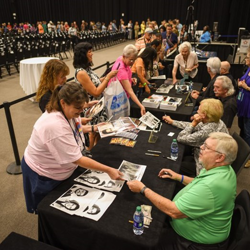 Fans lined up for autographs after the gospel panel.
