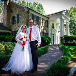 Scott and Natalie Park from Rochester, Kentucky were married at Graceland's Chapel in the Woods on September 3, 2016.