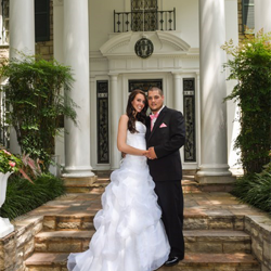 Teri and Lawrence Turner of Ypsilanti, Michigan, were married on June 24, 2015 at Graceland
