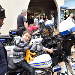 Memphis police officers let students get an up-close-and-personal look at their motorcycles.