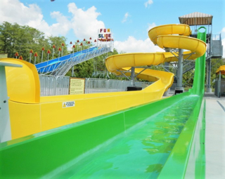Flume and free fall slides.