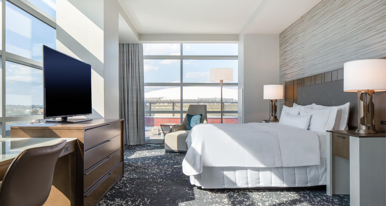 Westin Memphis Executive Suite Bedroom
